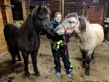 Essi is a physiotherapist and animalphysiotherapist. She works among dogs, horses and riders. To her family belongs two dogs and two icelandichorses. She teaches in Swedish, Finnish and English.